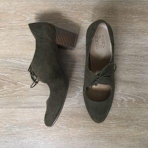 Dark green suede Naturalizer lace-up heel